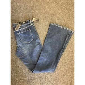 NEW Mid Rise Slim Flare Jeans Medium Wash - 800